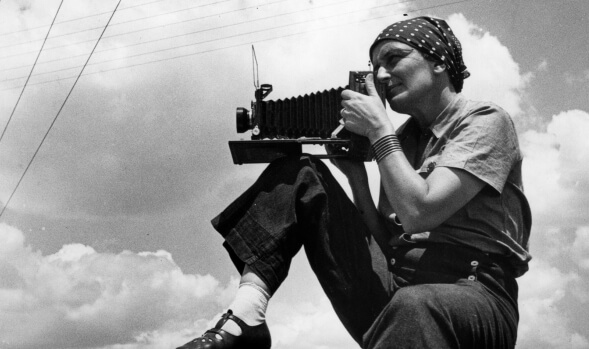 Dorothea Lange 580x349 Inspirational photography quotes from photographers for photographers 2018
