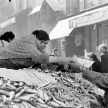 Henri Cartier Bresson FRANCE. Bouches du Rhone. Marseille. 1954 215x215 Photos of Henri Cartier Bresson