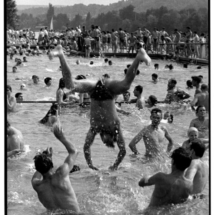 Henri Cartier Bresson FRANCE. Ile de France. Yvelines. 1955. 215x215 Photos of Henri Cartier Bresson