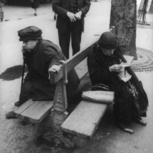 Henri Cartier Bresson FRANCE. Paris. 1932. 215x215 Photos of Henri Cartier Bresson