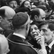 Henri Cartier Bresson FRANCE. Paris. Montmartre. The visit of Cardinal PACELLI. 215x215 Photos of Henri Cartier Bresson