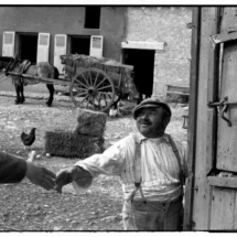 Henri Cartier Bresson FRANCE. Region of Picardie. The Oise department. 1960. 215x215 Photos of Henri Cartier Bresson
