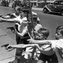 Henri Cartier Bresson USA. New York City. 215x215 Photos of Henri Cartier Bresson