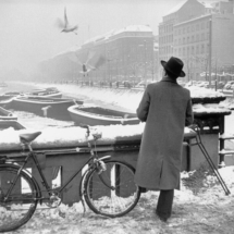 Henri Cartier Bresson WEST GERMANY. Hamburg. December 1952 January 1953. 215x215 Photos of Henri Cartier Bresson