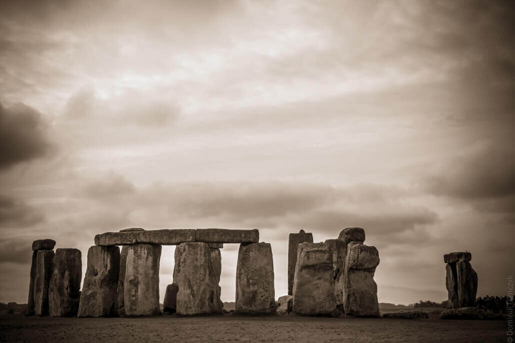 Stonehenge-a-prehistoric-monument-in-Wiltshire-80195