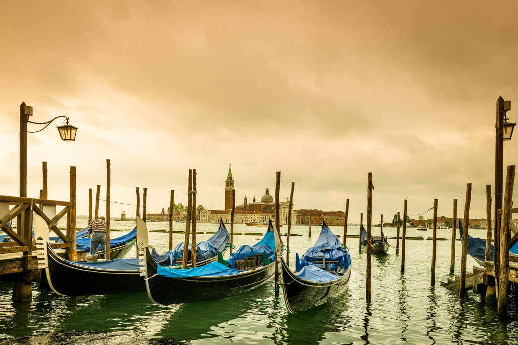 Venice - city of colors and gondola and love -82683