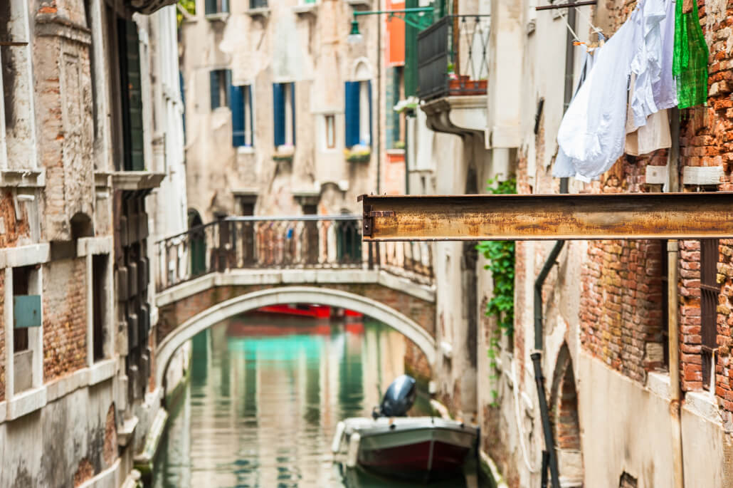 Venice-city-of-colors-gondola- and-love-9667