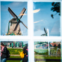 Zaanse Schans Windmill Village Nederland 0399 215x215 Travel