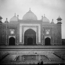analogue India Zeiss Ikon Nettar 517 6x6 Agra Taj Mahal Fomapan200 12 215x215 Analogue