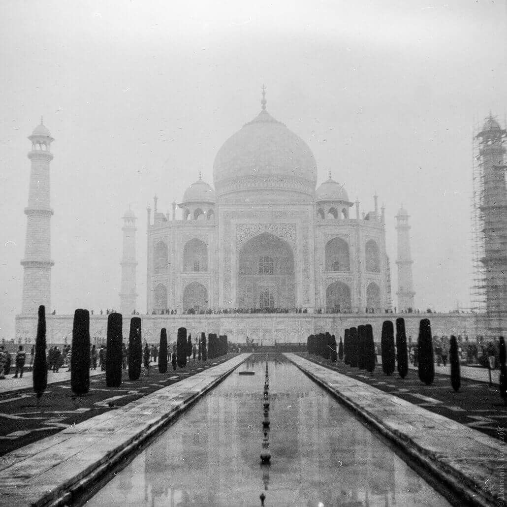 analogue-India- Zeiss-Ikon-Nettar-517-6x6- Agra-Taj-Mahal-Fomapan200-6