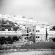 analogue India Zeiss Ikon Nettar 517 6x6 Jaipur Fort Amber 001 215x215 Analogue
