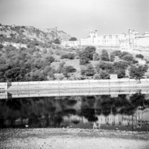 analogue India Zeiss Ikon Nettar 517 6x6 Jaipur Fort Amber 002 215x215 Analogue