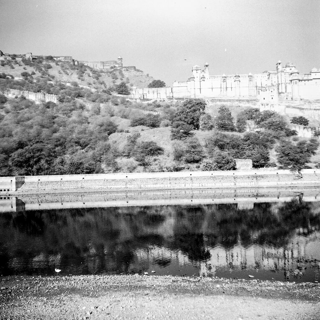 analogue-India-Zeiss-Ikon-Nettar-517-6x6-Jaipur-Fort-Amber-002